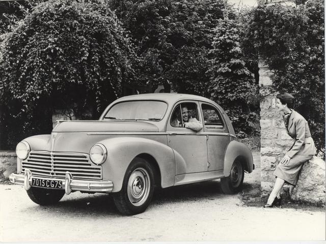 L'automobile – 1948 lancement de la 203, premier modèle monocoque