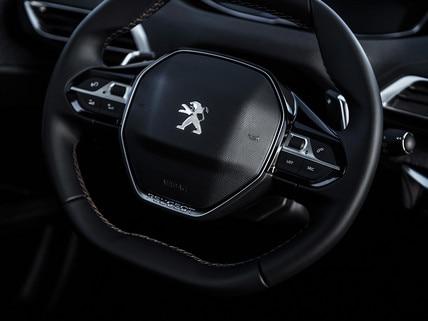 Volant compact Peugeot i-Cockpit