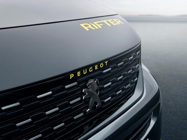 PEUGEOT RIFTER 4x4 Concept – calandre & nez de capot au masque noir