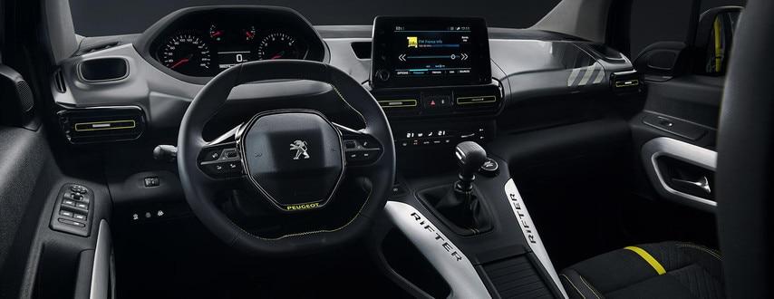 PEUGEOT RIFTER 4x4 – Grand intérieur PEUGEOT i-Cockpit®