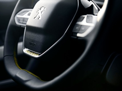 PEUGEOT RIFTER 4x4 Concept – volant cuir