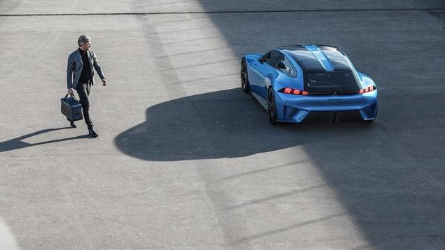 Peugeot Instinct Concept - Le meilleur de l'I.o.T. - Proposition IA de marche à pied
