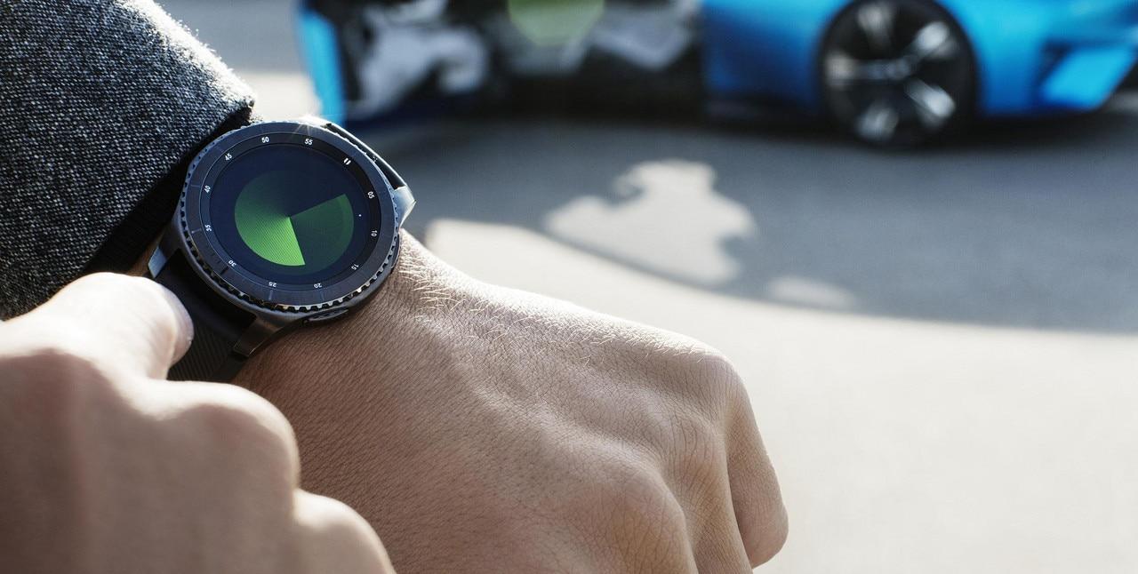 Peugeot Instinct Concept - Le meilleur de l'I.o.T. - Focus montre connectée