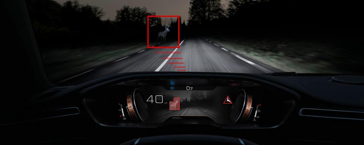 Nouvelle berline PEUGEOT 508, Technologie Night Vision, pour améliorer la vision de nuit