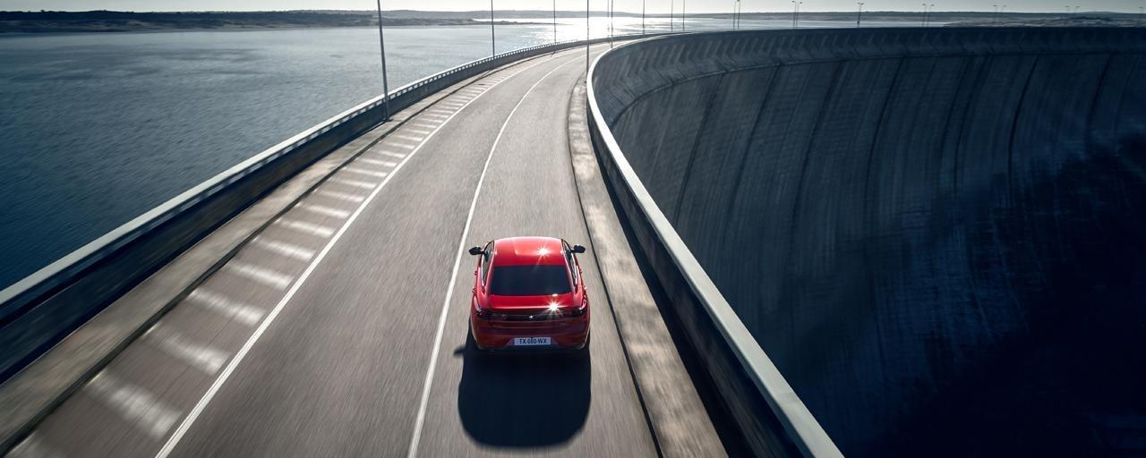 Nouvelle PEUGEOT 508 GT : la berline haut de gamme