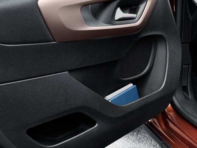 Nouveau PEUGEOT RIFTER – Rangement porte conducteur