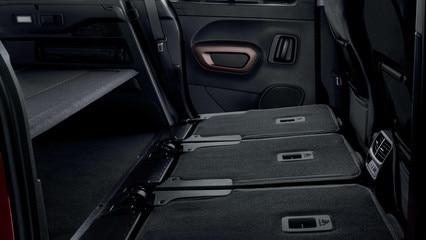NOUVEAU PEUGEOT RIFTER – 3 sièges arrière individuels rabattus