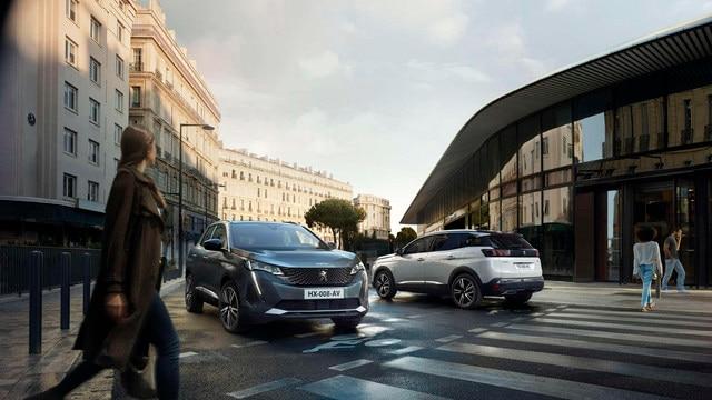 Nouveau SUV PEUGEOT 3008 – 3008 et 3008 HYBRID dans la ville