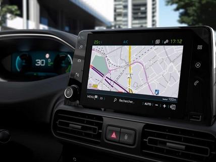 Nouveau PEUGEOT e-PARTNER - Ecran tactile avec bornes de recharge avec Free2Move Services