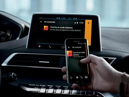 Nouveau SUV PEUGEOT 5008 : Fonction Mirror Screen
