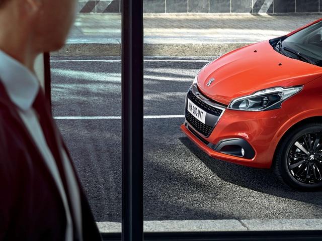 Peugeot 208 2017 Exterieur dans la ville