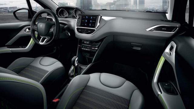 Nouvel écran d'accueil navigation – Voiture compacte Peugeot 208 5 portes 5 portes