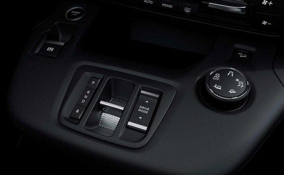"""Nouveau PEUGEOT e-PARTNER : nouvelle commande de boîte « e-Toggle », sélecteur aux 3 modes de conduite, activation du mode de freinage """"BRAKE"""""""