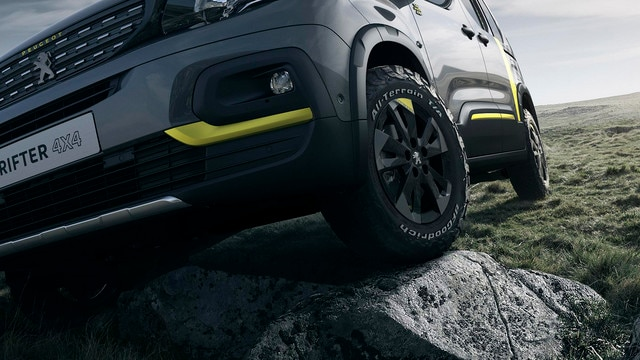 PEUGEOT RIFTER 4x4 Concept – Vue face avant et pneu 4x4