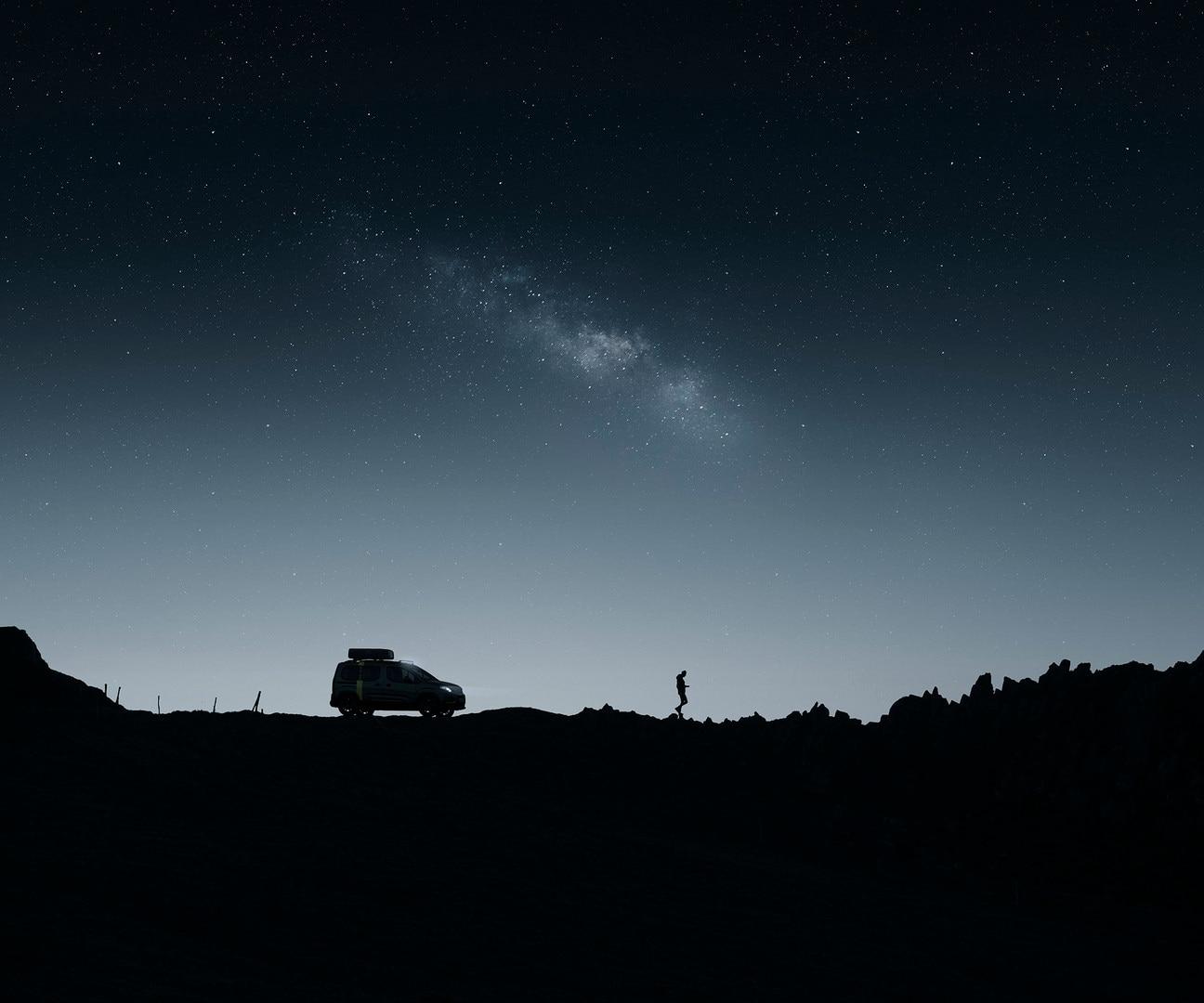 PEUGEOT RIFTER 4x4 Concept – Vue profil dans la nuit