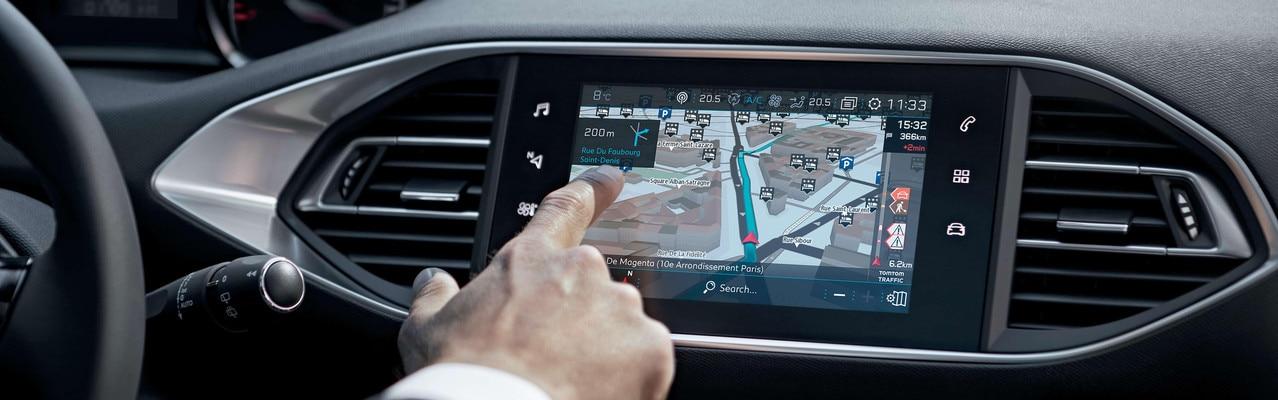 Nouvelle PEUGEOT 308 – Nouvelle navigation 3D connectée avec reconnaissance vocale