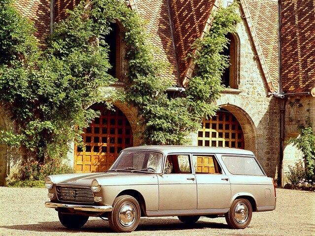 L'automobile - Peugeot 404 Familiale