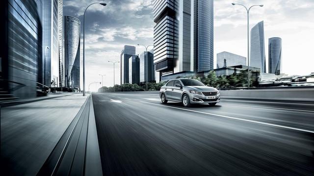 Nouvelle Peugeot 301 : Prestations dynamiques