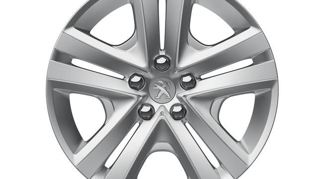 Nouvelle Peugeot 301 : Jante tôle 15'' avec enjoliveur HALBURY