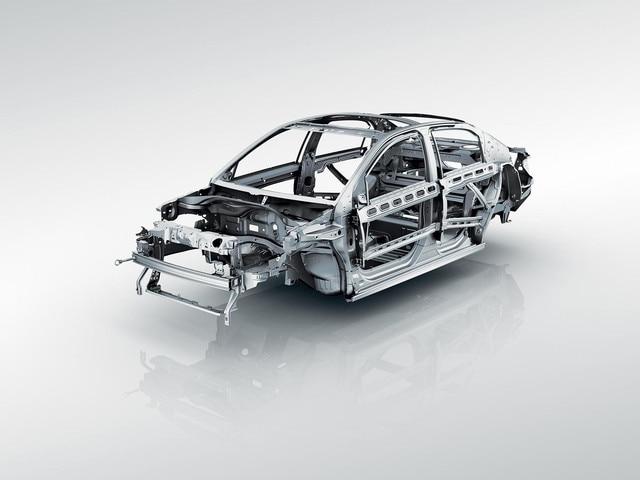 Nouvelle Peugeot 301 : Berline tricorps