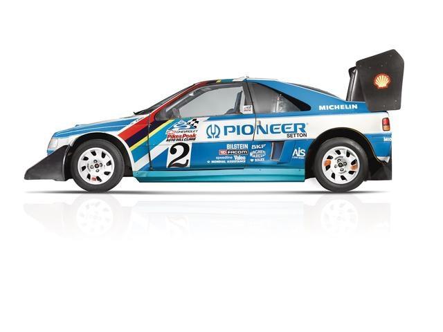 Peugeot Sport – la 405 remporte la course Pikes Peak et le Paris Dakar