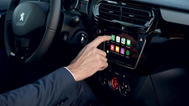 Nouvelle Peugeot 301 : Connectivité embarquée