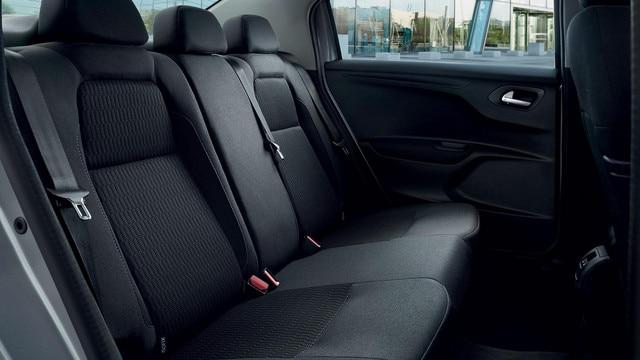 Nouvelle Peugeot 301 :  3 vraies places à l'arrière