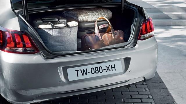 Nouvelle Peugeot 301 : Coffre très volumineux
